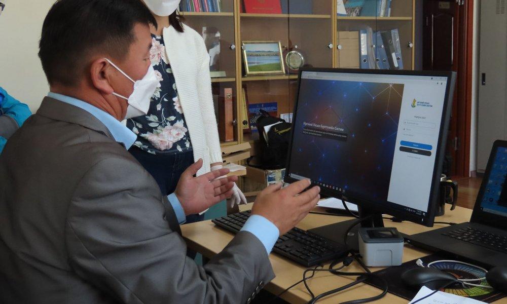 Завхан аймгийн 24 сумын улсын бүртгэгч нарын  тоног, төхөөрөмжийг иж бүрэн шинэчиллээ