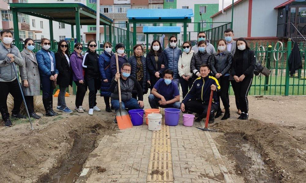 Хаврын бүх нийтээр мод тарих өдрийн хүрээнд Оюут багийн нутаг дэвсгэрт  49 ширхэг шар хуайс мод тарилаа.